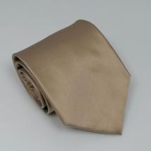Karamell színű széles nyakkendő