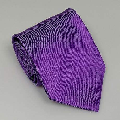 Középlila széles nyakkendő