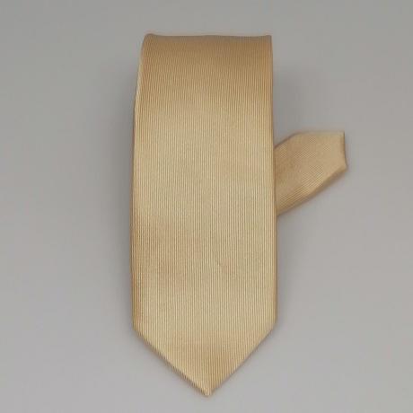 Arany színű keskeny nyakkendő